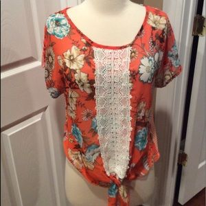 About A girl tie front shirt sleeve blouse SZ S